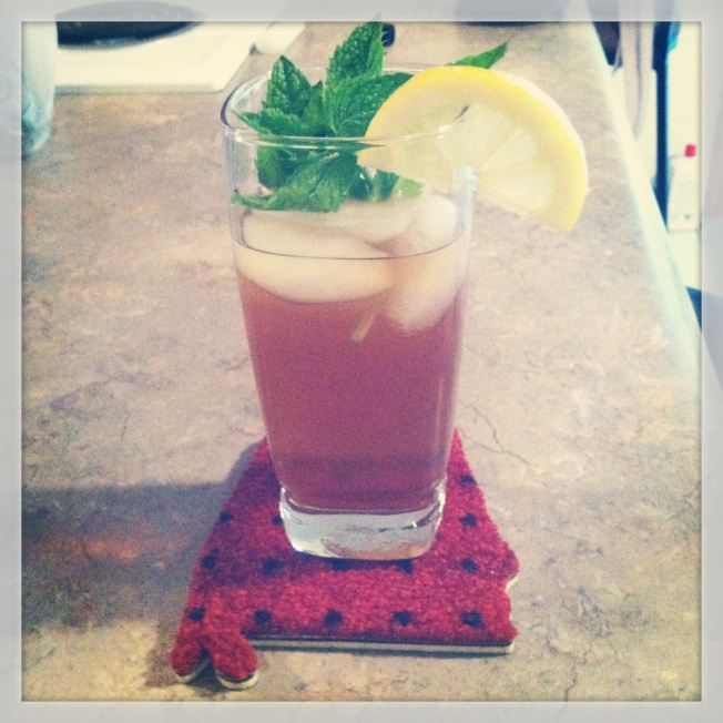 Nothing says summer like a cool glass of mint tea. Yum!